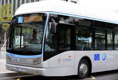 Les 2 premiers bus à hydrogène circulent en Île-de-France