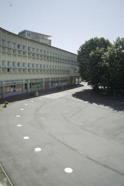 Cour du lycée Balzac