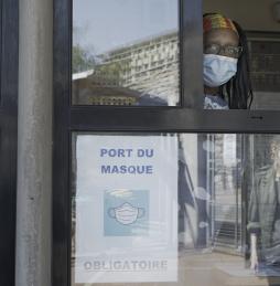 Port du masque obligatoire accueil du lycée Balzac